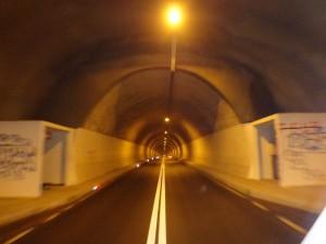 Prolazak kroz tunel cemerno